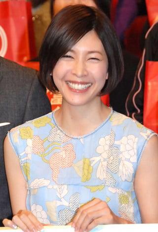 竹内結子の魅力的な笑顔